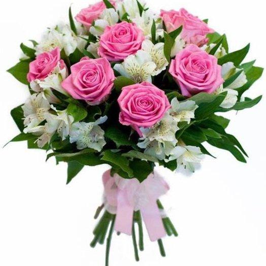 Розовые розы с альстромерией: букеты цветов на заказ Flowwow
