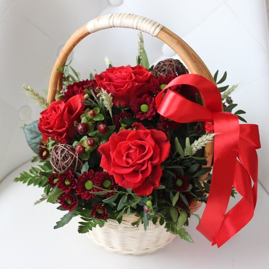 Корзина (Коллекция Магия в красном ): букеты цветов на заказ Flowwow
