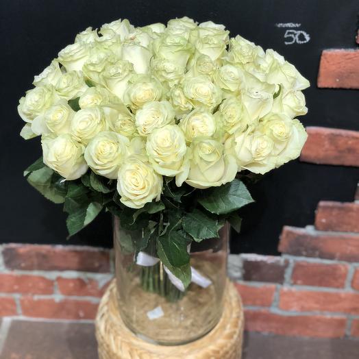 25 белая роза высотой 60