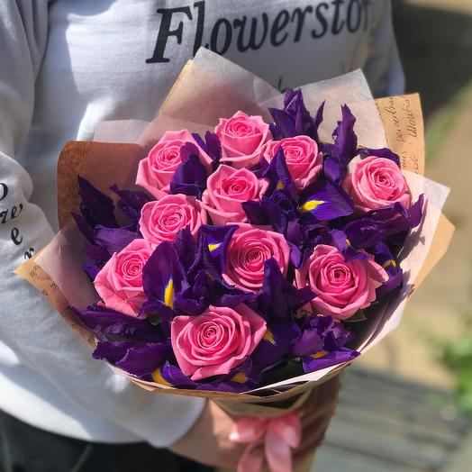 Розы. Букет роз с ирисами. N420: букеты цветов на заказ Flowwow