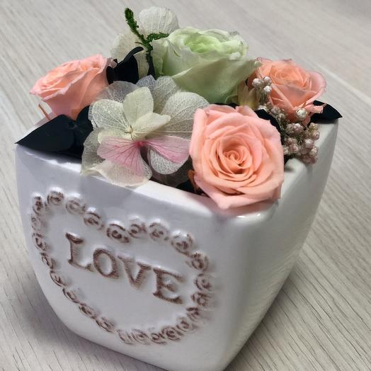 Композиция с розами и гортензией: букеты цветов на заказ Flowwow