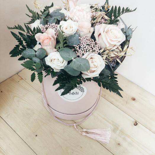 Авторская композиция в Шляпной Коробке: букеты цветов на заказ Flowwow