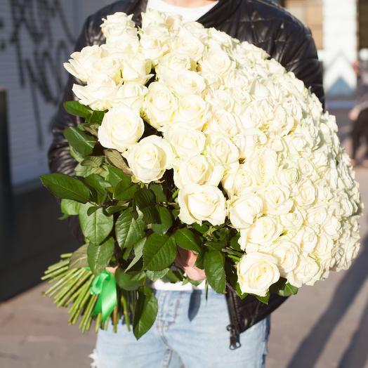 101 белая роза 60 см: букеты цветов на заказ Flowwow