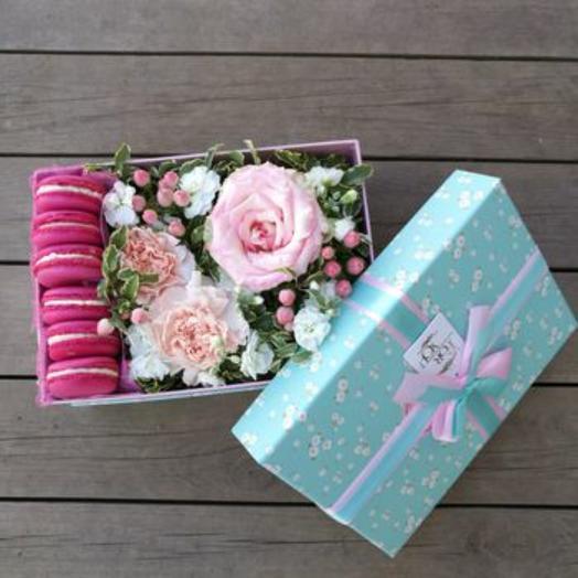 Коробочка с печеньками в цветах