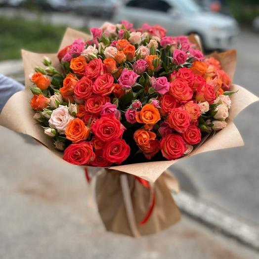 Букет из кустовых роз микс