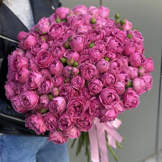 Букет с кустовыми пионовидными розами Яркие чувства