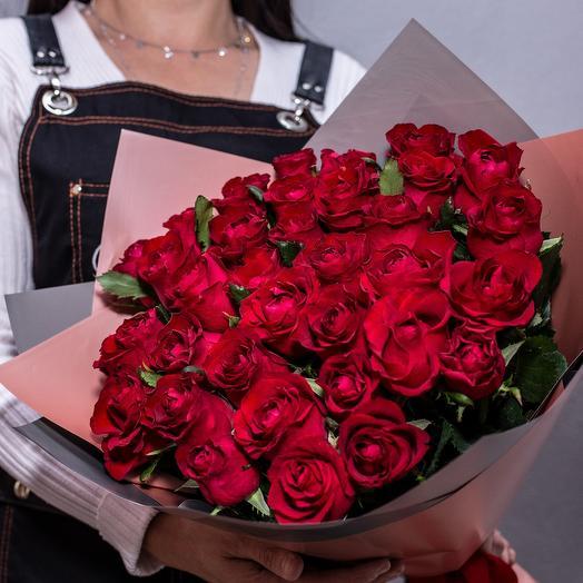 Моно красных кенийских роз