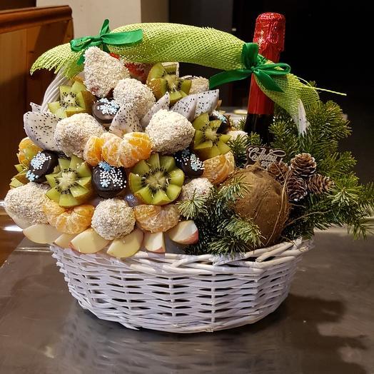 Корзина подарочная новогодняя