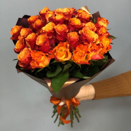 Букет из 31 розы с оформлением