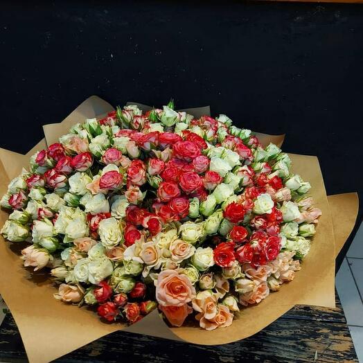 101 кустовая нежная роза