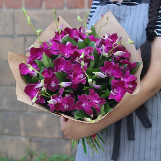 Букет сиреневых орхидей
