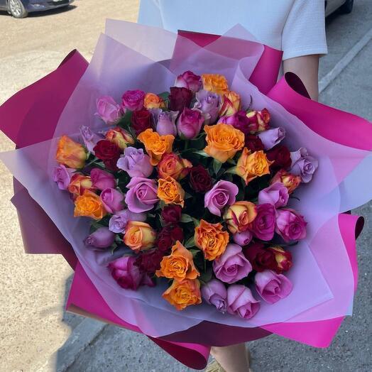 57 роз Кения шикарный букет. Топпер в поларок