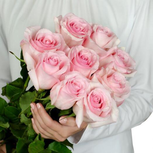 9 нежных роз