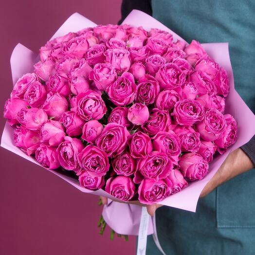 Букет из 29 кустовых пионовидных роз