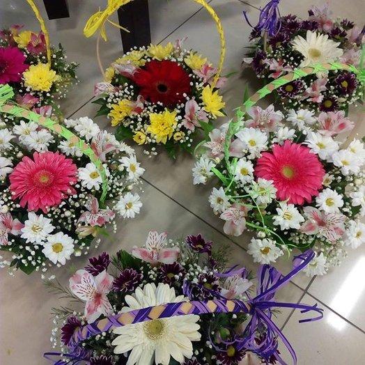Радужное лукошко: букеты цветов на заказ Flowwow