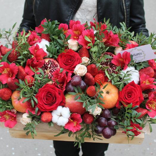 Фрукотво-цветочный ящик: букеты цветов на заказ Flowwow