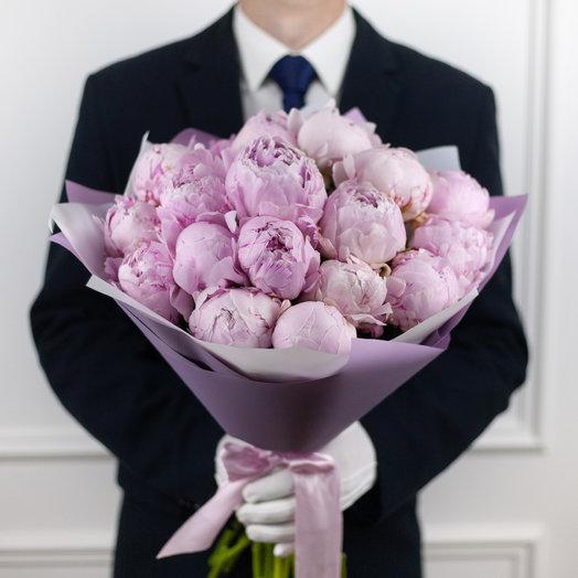 Букет из 19 французских пионов Sarah Bernhardt: букеты цветов на заказ Flowwow