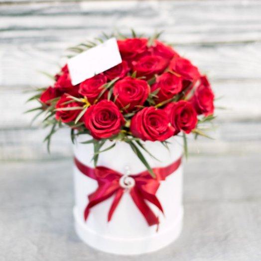 "Коробка с розами "" Мелодия любви"": букеты цветов на заказ Flowwow"