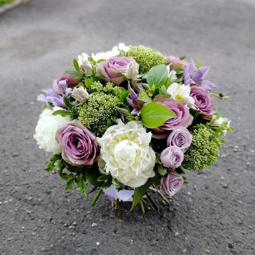 Мотылёк: букеты цветов на заказ Flowwow