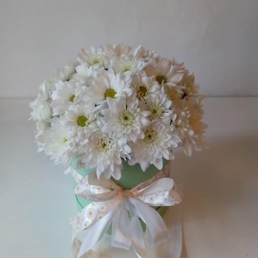 Коробка с хризантемами: букеты цветов на заказ Flowwow