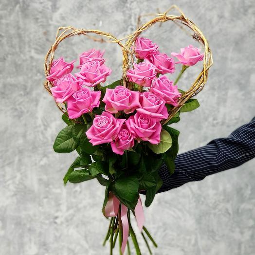 Букет сердце из розовых роз: букеты цветов на заказ Flowwow