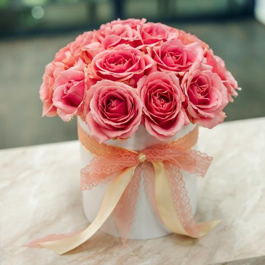21 розовая роза в шляпной коробке: букеты цветов на заказ Flowwow
