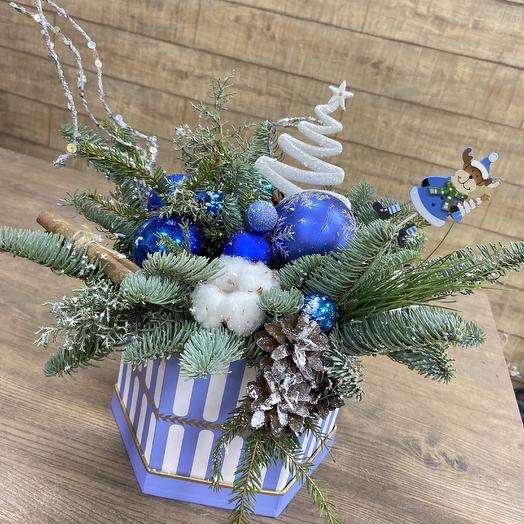 Стильная зимняя композиция: букеты цветов на заказ Flowwow