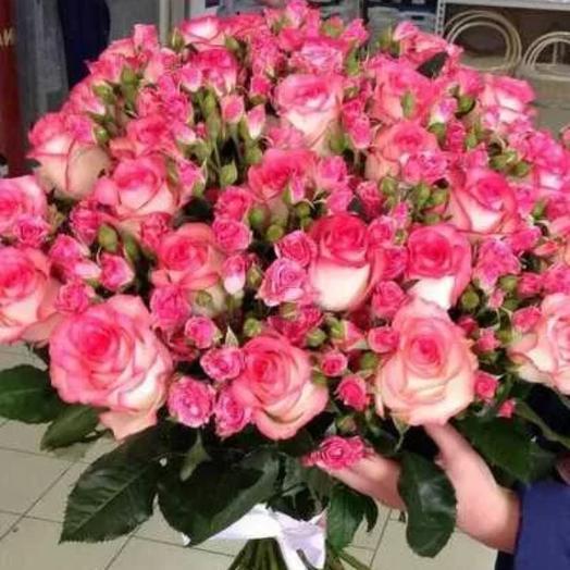Букет из роз и кустовых роз: букеты цветов на заказ Flowwow