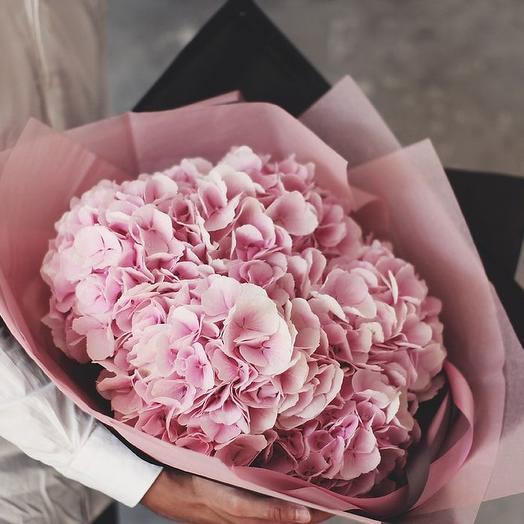 Букет из розовой гортензии 7: букеты цветов на заказ Flowwow
