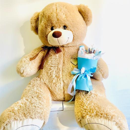 Мишка «Теди» с букетом из сухоцветов