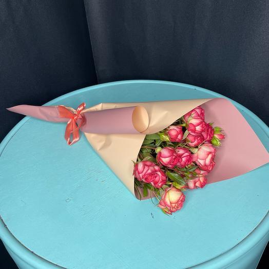Моно букет из 3 кустовых роз