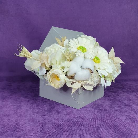 Мыльные цветы в серебряной коробке