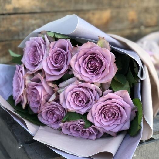 9 сиреневых роз