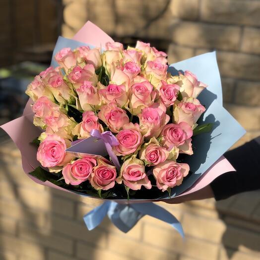 Букет из 35 роз с оформлением