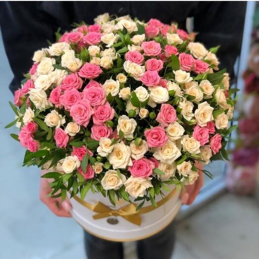 Коробка шляпная с кустовыми розами