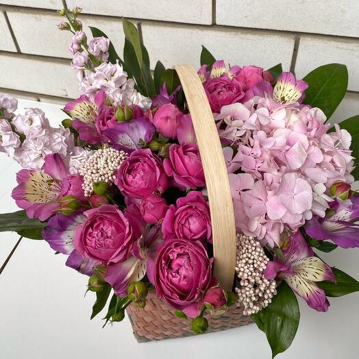 Корзина с пионовидными розами и гортензией любовь 💓