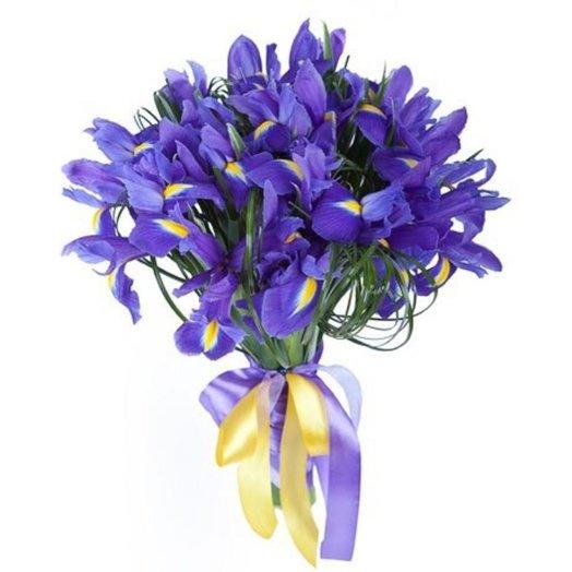 Ирисы синие: букеты цветов на заказ Flowwow