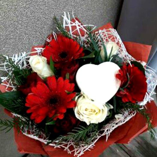 Сердечный привет: букеты цветов на заказ Flowwow