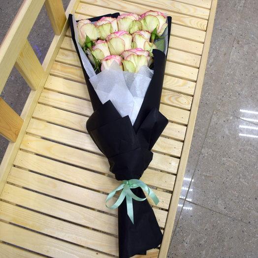 Стильный моно букет из роз: букеты цветов на заказ Flowwow
