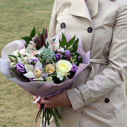 Букет с суккулентом: букеты цветов на заказ Flowwow