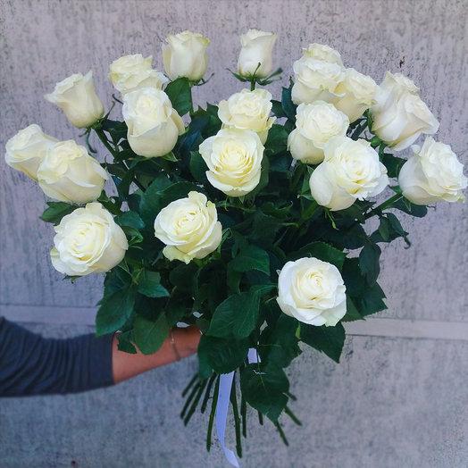 Букет из 21-ой белой розы: букеты цветов на заказ Flowwow