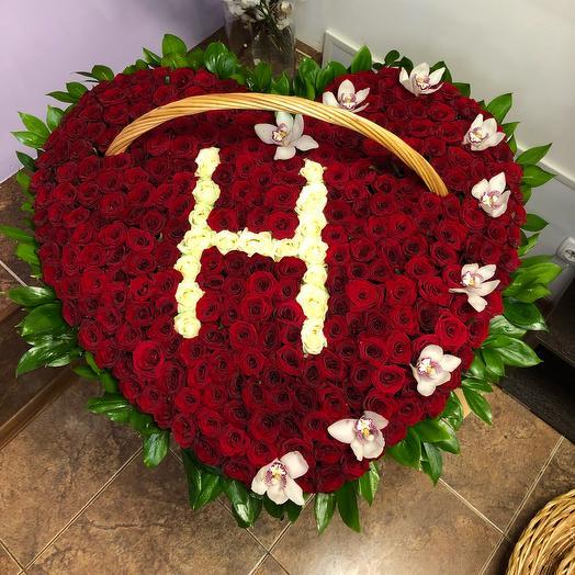 Сердце из 301 розы Гран-при: букеты цветов на заказ Flowwow