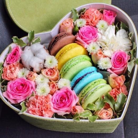 Розы с печеньем 2: букеты цветов на заказ Flowwow