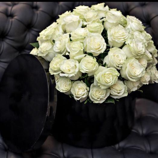 «Черное и белое»: букеты цветов на заказ Flowwow