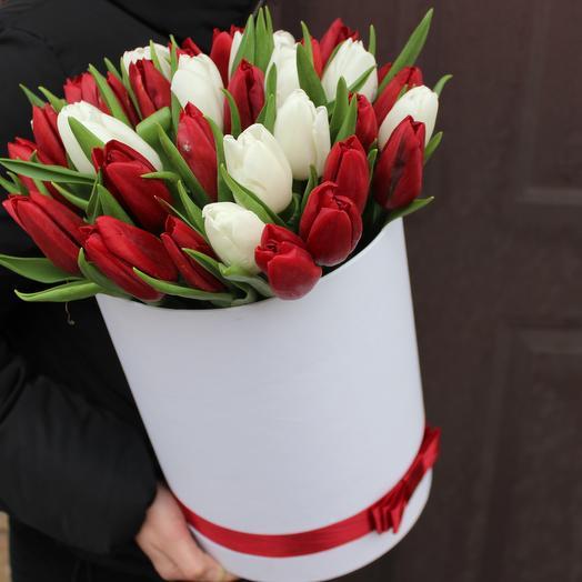 Весенний поцелуй в коробке 2: букеты цветов на заказ Flowwow