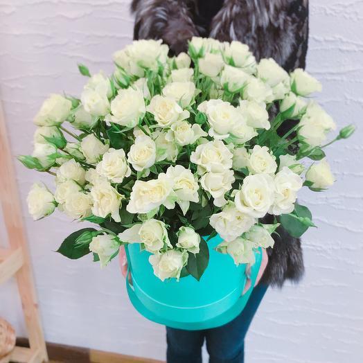 35 кустовых роз в коробке: букеты цветов на заказ Flowwow