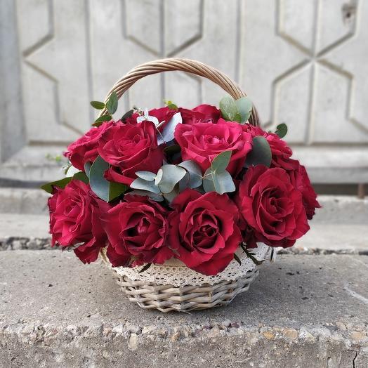 Корзина Помпадур: букеты цветов на заказ Flowwow