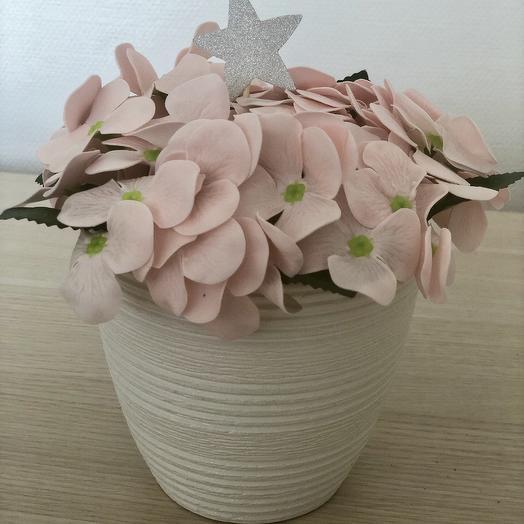 Композиция из мыльных цветов гортензия нежно-розового цвета: букеты цветов на заказ Flowwow
