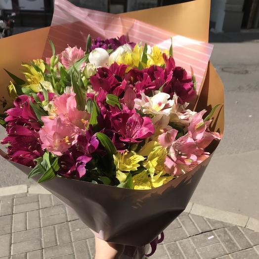 Яркая альстромерия по супер цене: букеты цветов на заказ Flowwow
