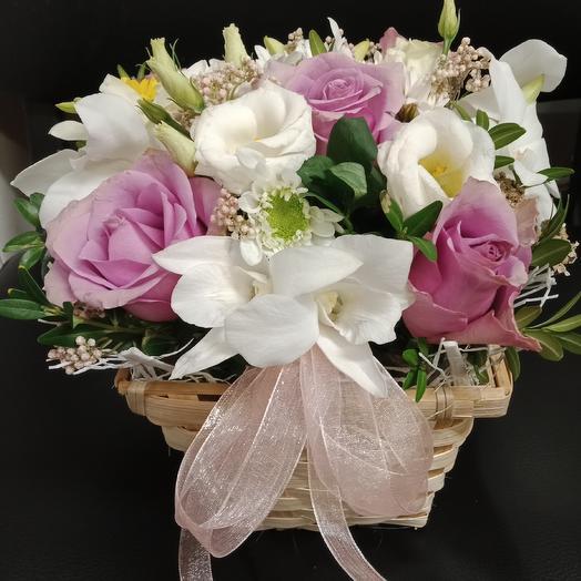 "Корзинка ""комплимент"": букеты цветов на заказ Flowwow"